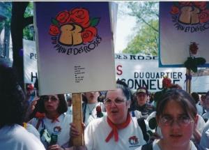 Les femmes du Québec se mobilisent pour la Marche du pain et des roses en 1995